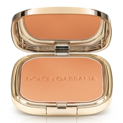 DOLCE  GABBANA MAKE UP Пудра с эффектом загара Glow Bronzing Powder 25 HONEY MATTE