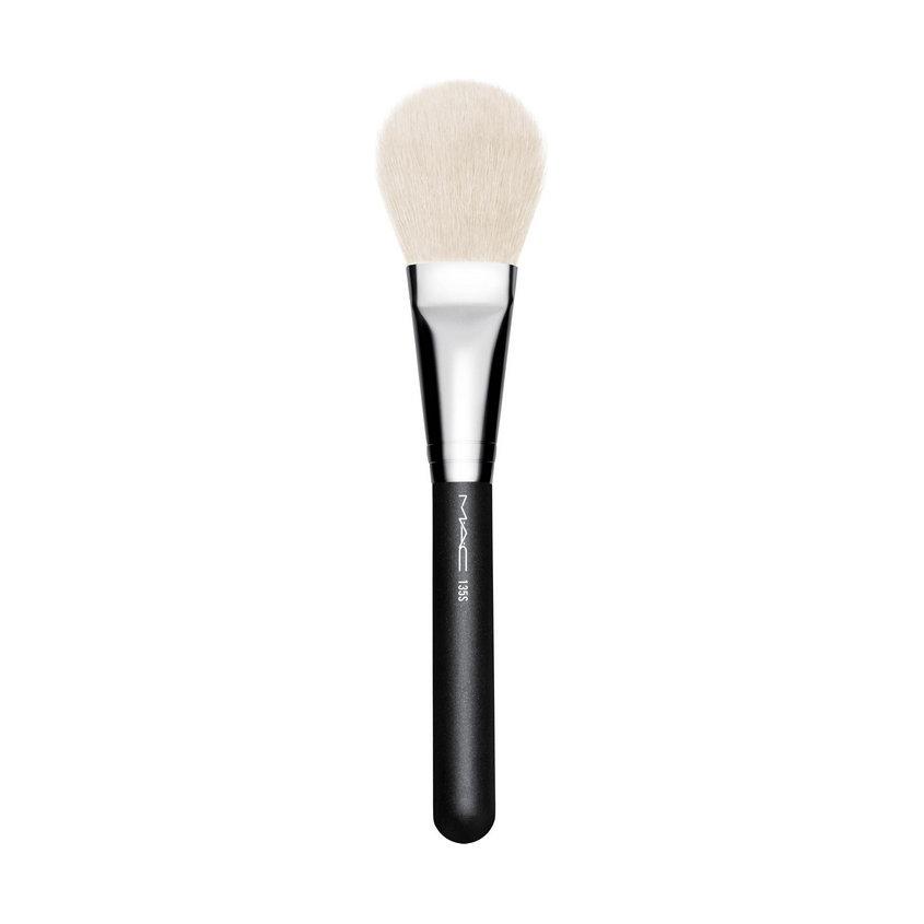 Купить MAC Кисть косметическая Large Flat Powder Brush № 135S