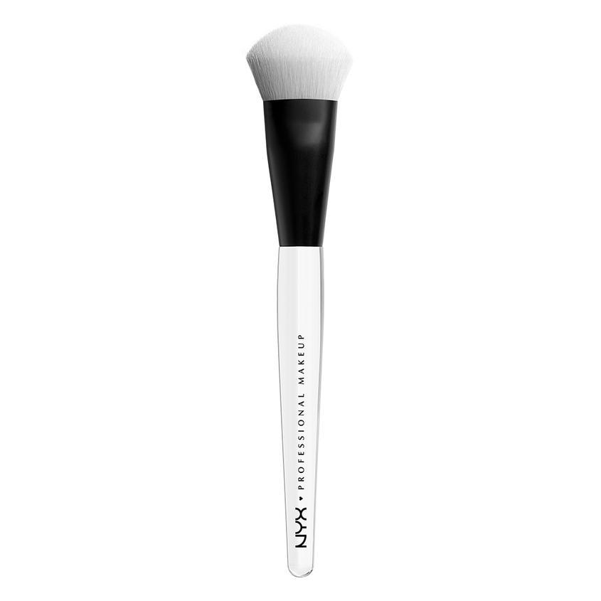 Купить NYX Professional Makeup Профессиональная кисть для нанесения хайлайтера HIGH GLASS ILLUMIN POWDER BRUSH HGB 110